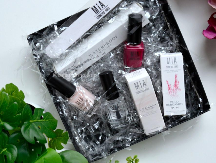 Summer Essentials Box de Mia Cosmetics