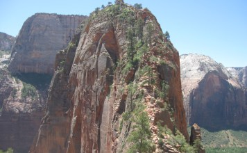 Angels Landing Bathrooms