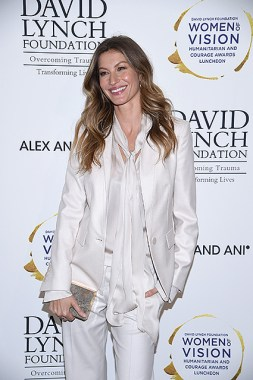 "NEW YORK, NY - MAY 09: Model Gisele Bundchen attends David Lynch Foundation Hosts ""Women of Vision Awards"" at 583 Park Avenue on May 9, 2017 in New York City. (Photo by Dimitrios Kambouris/Getty Images for David Lynch Foundation)"