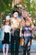 Связь поколений: Ветераны войны и труда с внуками. Семья Кузьминых. День Победы, 9 Мая.