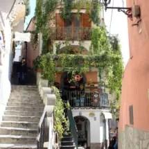 travel-italy-positano-grocery-ext