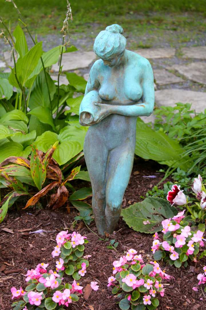 Sculpture at Manchester VT bed and breakfast