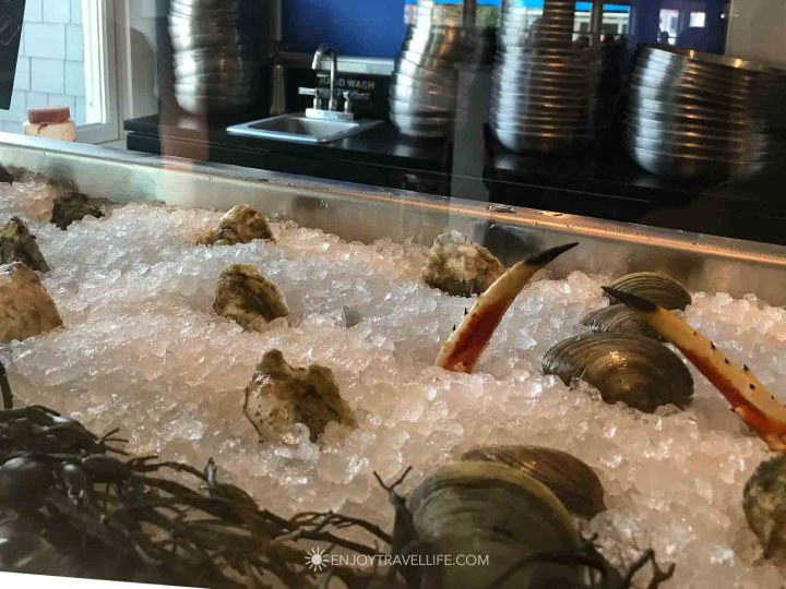 Raw and Sushi Bar at Finz of Salem