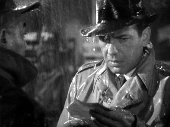 "Bogart i regnet - i trenchcoat - i ""Cassablanca"""