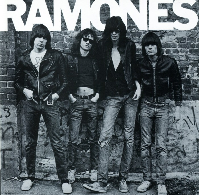Det amerikanske punk-rock bandet The Ramones i sine Perfect-jakker