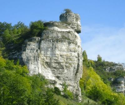 La Tête d'homme à la Roque (commune de Muids - Eure) - photo de Creg' Of Huest