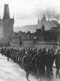 15 mars 1939, les allemands défilent à Prague