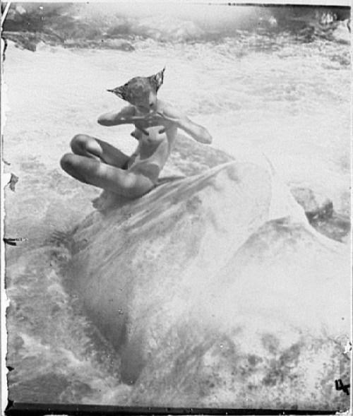 Anne Brigman - the water nixie - 1914