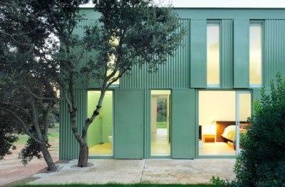 Herreros Arquitectos – maison à Arta (Majorque), 2007 – détail façade – photo José Hevia
