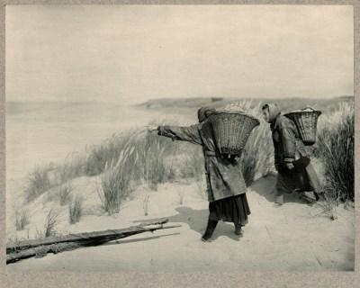 les Pêcheuses, 1904 - photographe Pierre Dubreuil
