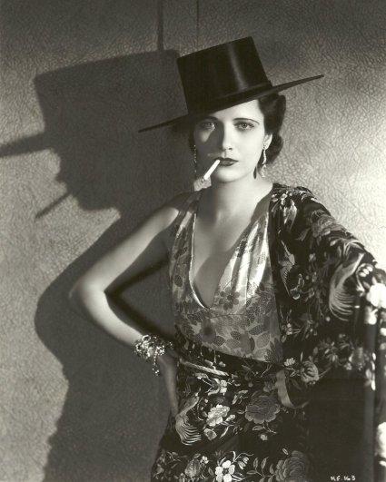 Kay Francis dans Paramount on Parade, 1930