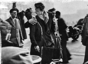 Robert Doisneau - Le baiser de l'Hôtel de Ville, 1950