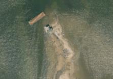 Holland Island avec sa barge de protection