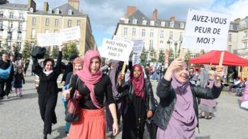 Rennes - des-femmes voilées contre l'lislamophobie