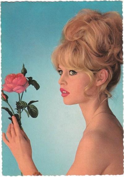 Brigitte Bardot - carte postale allemande Krüger - photo Sam Lévin.jpg