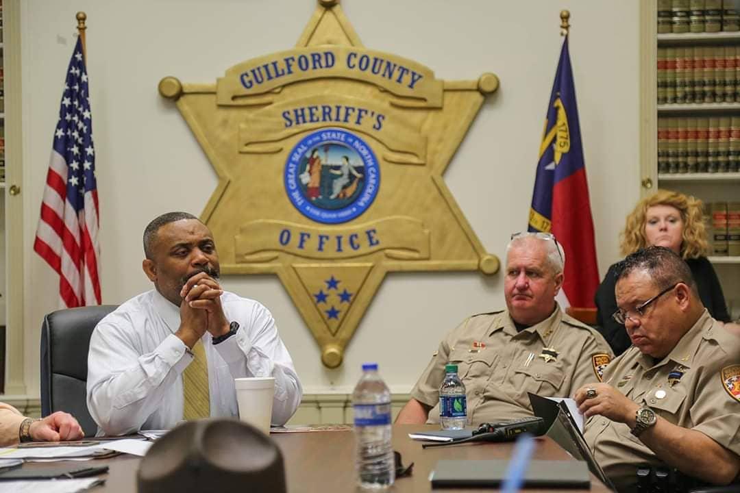 alguacil de Guilford retira apoyo a HB 370