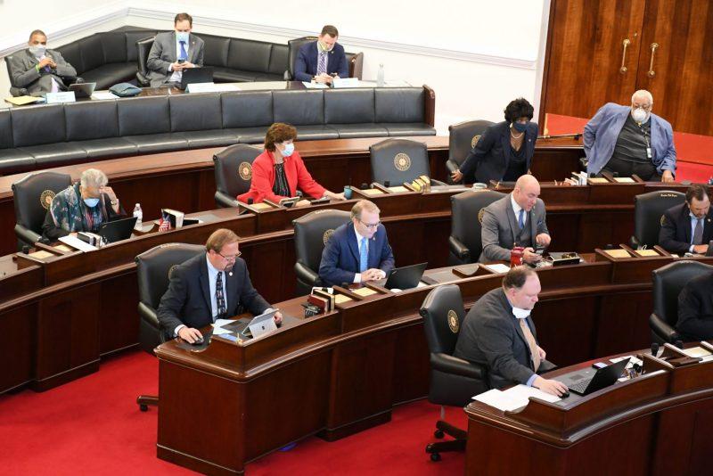 Normas de salud y seguridad en la Asamblea de Carolina del Norte