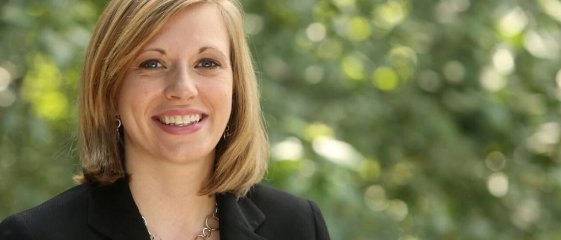 Entrevista a la senadora Sarah Crawford