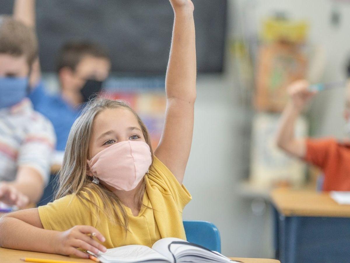 uso de mascarillas, juntas escolares