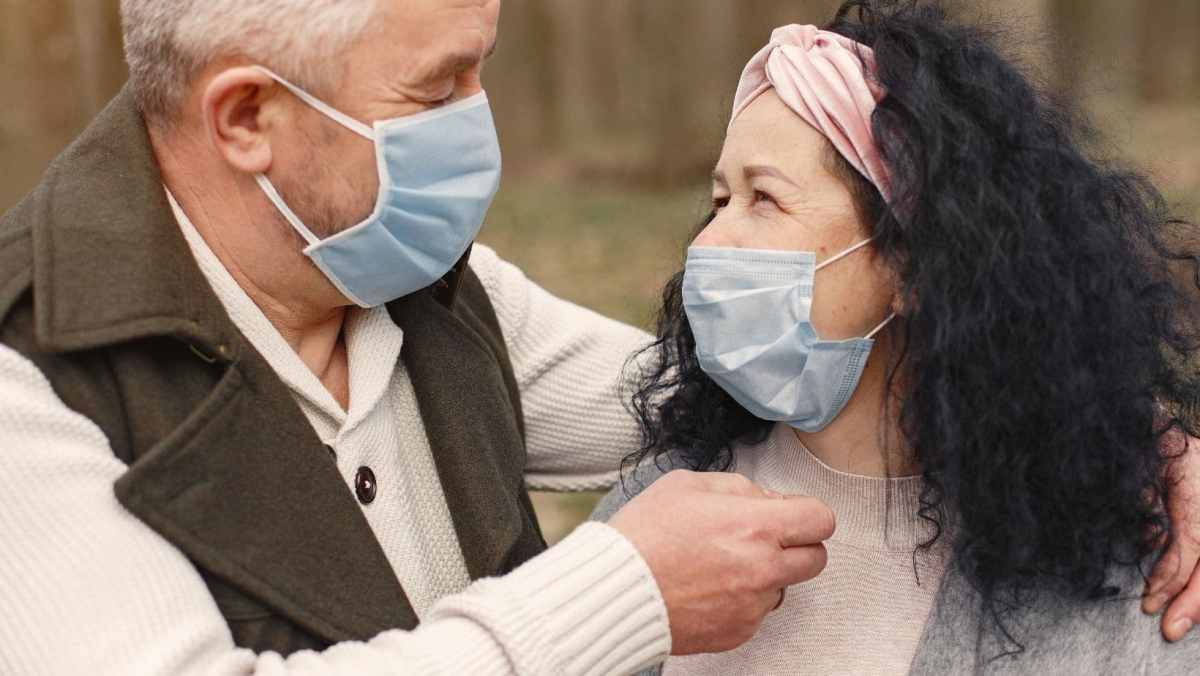 uso de la mascarilla será obligatorio en todos los lugares públicos interiores dentro del condado de New Hanover