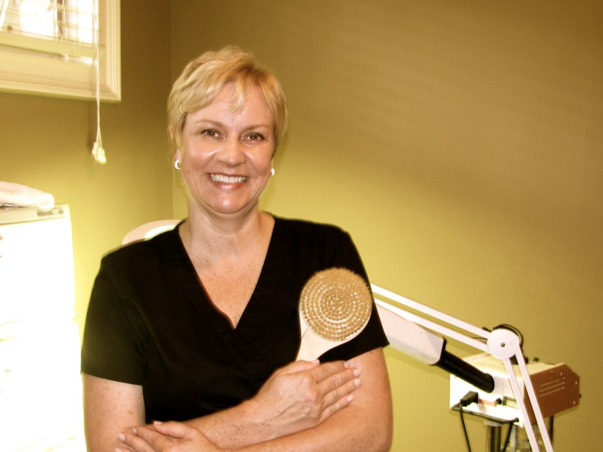 Crestwood Spa therapist, Lori