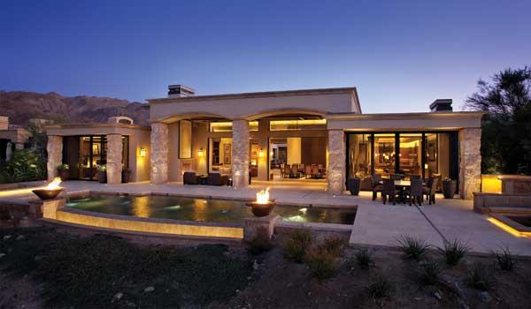 Studio Lux: Jewel in the Desert