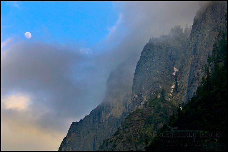 http://enlightphoto.com/photo-info/vly22146-moon-glacier-point-yosemite-photo.html