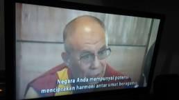 Pesan Dalai Lama untuk negara kita tercinta, Indonesia. Face2Face with Desi Anwar https://www.youtube.com/watch?v=jDDmROpNAYA