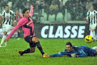 Matri anotó los dos goles del triunfo de la Juventus ante Udinese