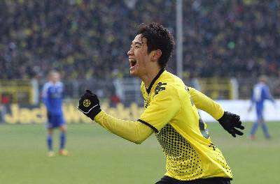 Gracias al gol de Kagawa el Dortmund sigue liderando en la Bundesliga