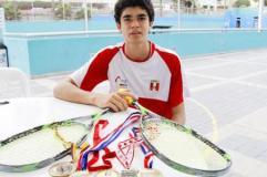 El juvenil Elías obtuvo medalla de bronce en sudamericano de Squash
