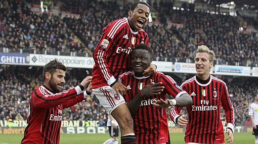 Muntari celebra uno de los goles del triunfo del AC Milan