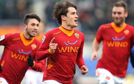 El delantero romanista de 20 años de edad le anotó dos goles al Inter