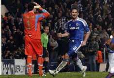 Lampard celebra la clasificación del Chelsea ante el lamento del meta napolitano