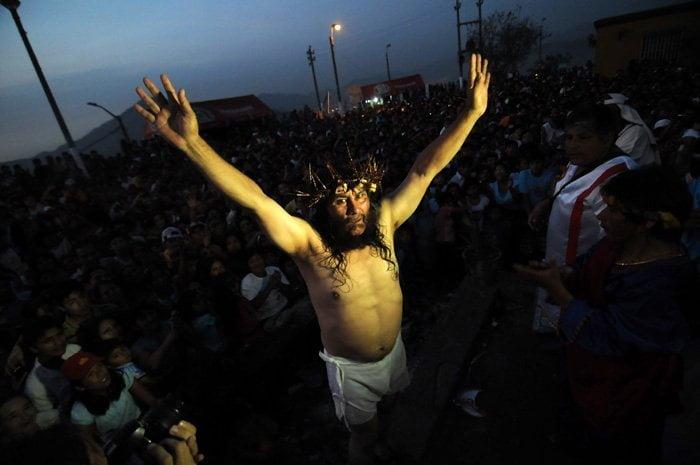 """""""Cristo Cholo"""" en escena"""