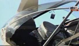 Parabrisas de helicóptero amortiguó el golpe
