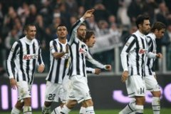 Juventus es líder del fútbol italiano tras caída del AC Milan