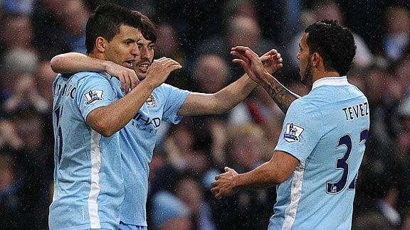 Agüero (2), Tévez y Silva anotaron ante el West Bromwich. City se pone a 5 puntos del Manchester United