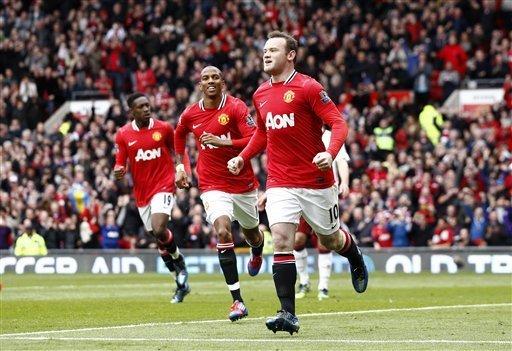 Manchester United goleó 4-0 al Aston Villa y mantiene la diferencia de cinco puntos sobre el City