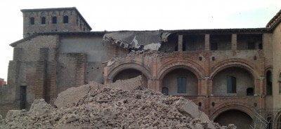 Iglesia afectada por sismo en Italia