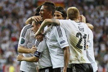 Alemania clasificó a semifinales de la Eurocopa