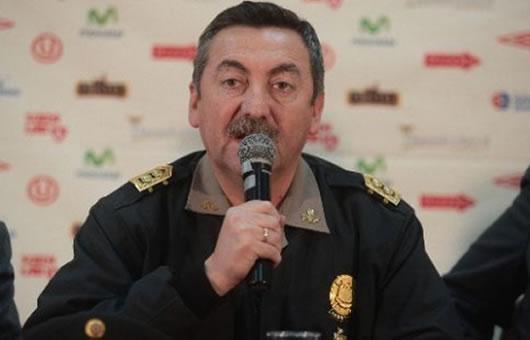 Renuncia Raúl Salazar