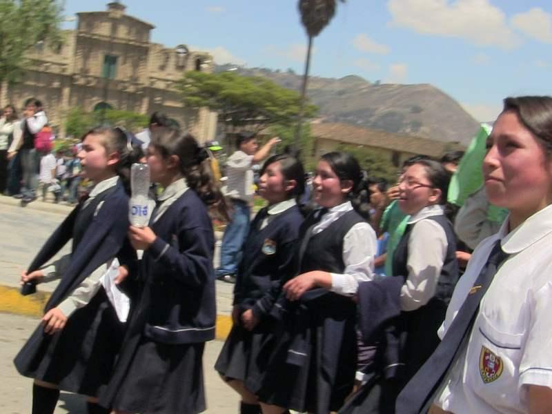 Escolares usados para protesta Anticonga
