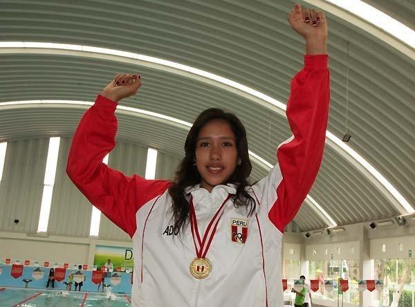 La nadadora peruana Andrea Cedrón participará en los JJ.OO Londres 2012