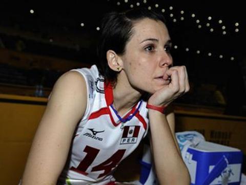 Elena Keldibekova y las demás integrantes de la selección no pudieron cumplir el objetivo de clasificar al Grand Prix 2013