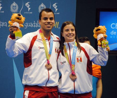Los badmintonistas Rodrigo Pacheco y Claudia Rivero debutarán en Londres el 28 de julio