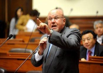"""Carlos Bruce: """"Hay ministros, congresistas y empresarios homosexuales"""""""