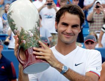 Roger Federer ganó su quinto torneo de Cincinnati y de paso sigue bateando records