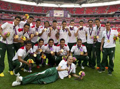 México fue efectivo y se llevó el oro en el fútbol masculino ante un Brasil que recién se acordó de proponer en los descuentos