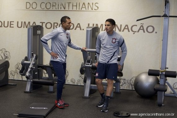 Luis Ramírez y Paolo Guerrero esperan obtener el Mundial de Clubes con el Corinthians de Brasil
